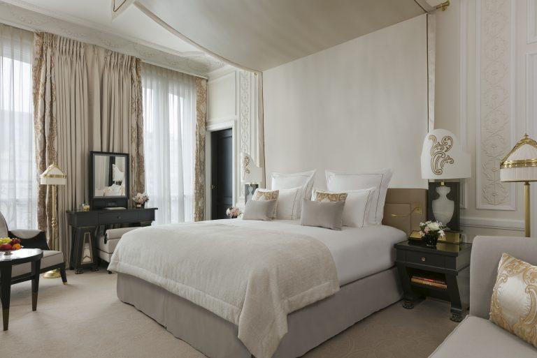 Suite 435