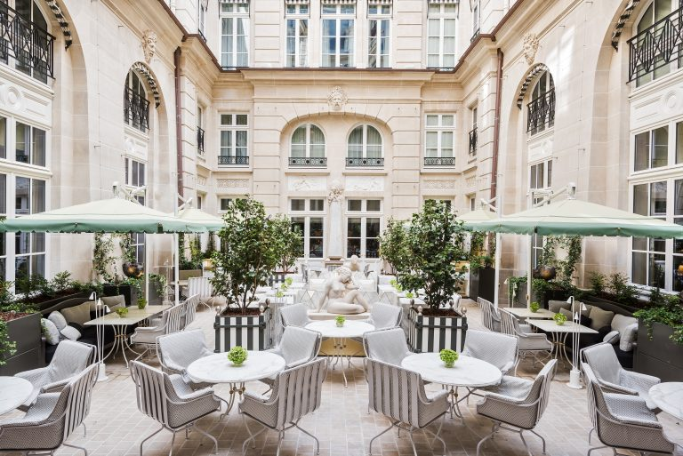 Hôtel de Crillon_RWCRI_Cour-dhonneur©Reto Guntli