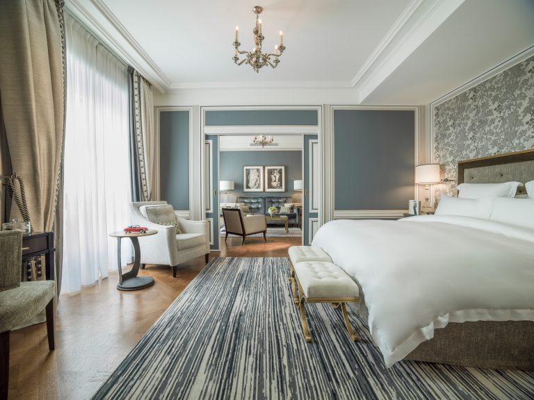 Hotel de Crillon_328 _GRAND PREMIER SUITE_©Adrian Houston_2019 (1)