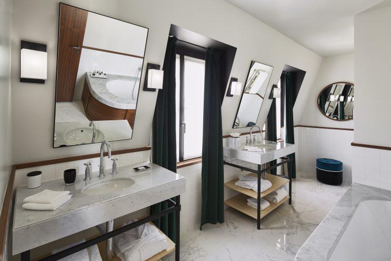 Le Roch Saint Roch Suite bathroom 16230-HD