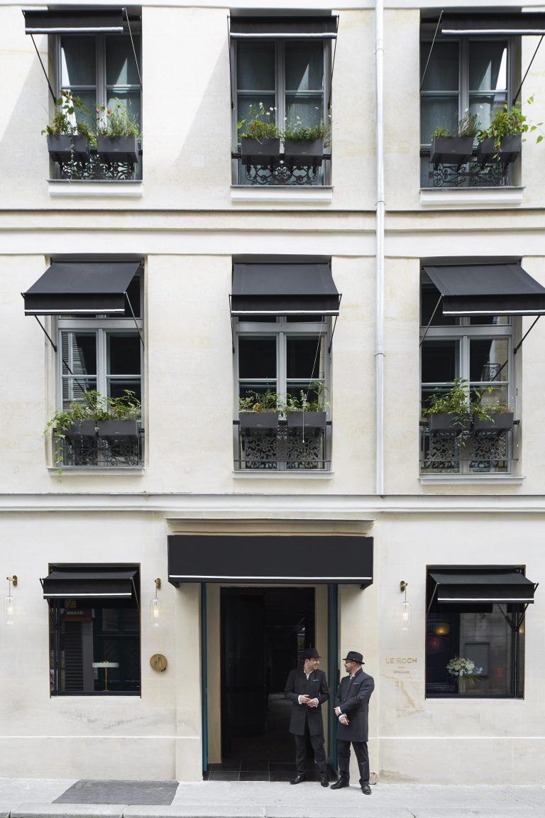 Le Roch doorman and guest 16082-HD