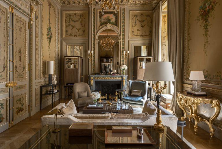 RWCRI_Suite-Duc-de-Crillon-209-living-room©Reto Guntli