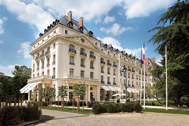 Waldorf Astoria Versailles - Trianon Palace - 1 facade