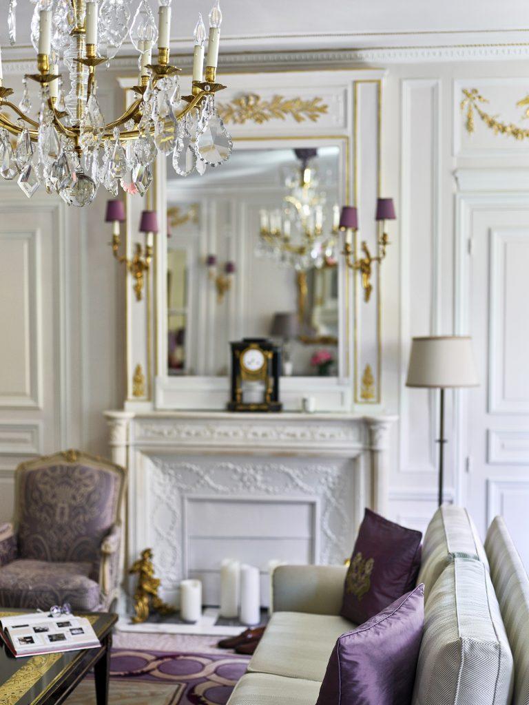 hotel-plaza-athenee-prestige-suite