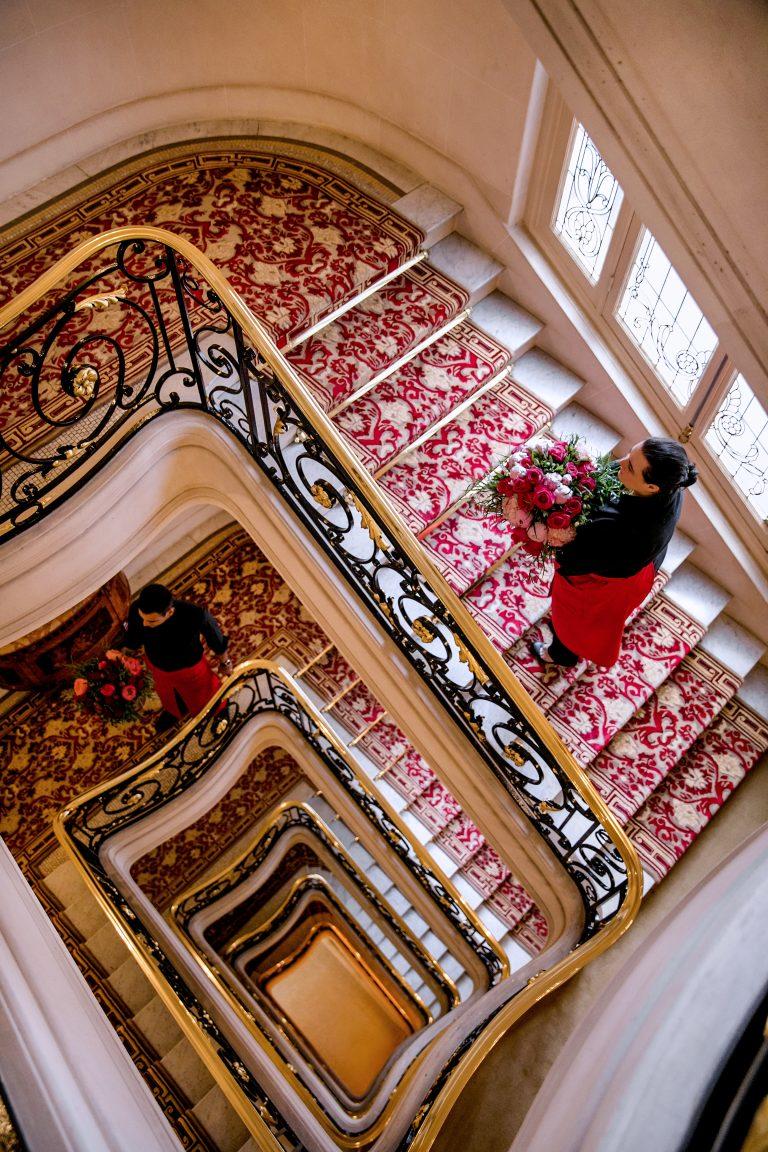 hotel-plaza-athenee-stairs