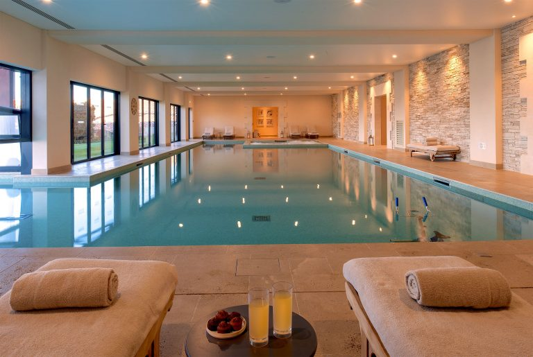 Chais Monnet_SWIMMING POOL INTERIOR VIEW