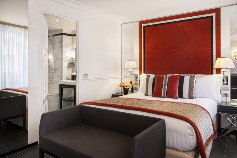 Hotel Castille Paris_Contemporary Sup Bathroom - Superior Room