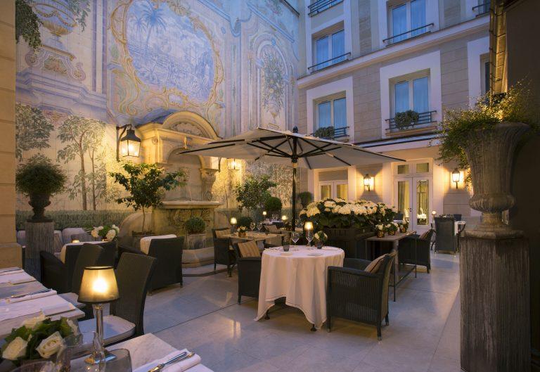 Hotel Castille Paris_Patio evening