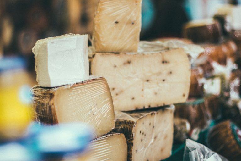 I.D.I. France_Cheese market