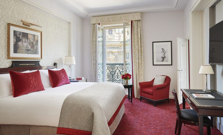 InterContinental Paris Le Grand - Deluxe room 3 © Eric Cuvillier