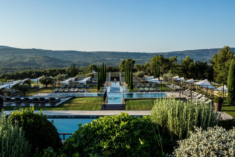 La Coquillade_Outdoor pools view ont the Luberon