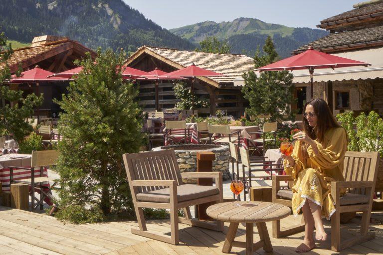 Les Fermes de Marie_hotel-ete-hotel-restaurant-vue-montagne-terrasse-gouter-mpm
