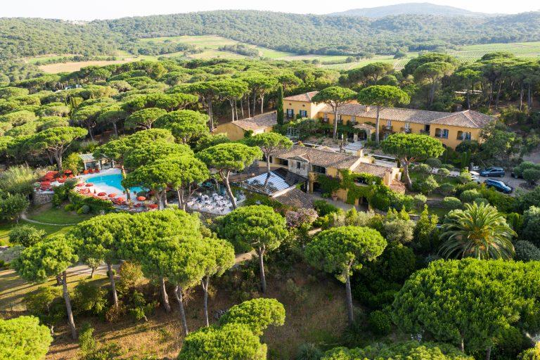 Villa Marie_drone-villa-marie-saint-tropez-hotel-avec-piscine-5-etoiles-plage-pampelone