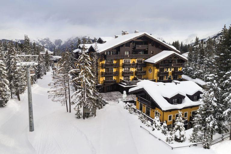 1. Cheval Blanc Courchevel - Ski in Ski Out
