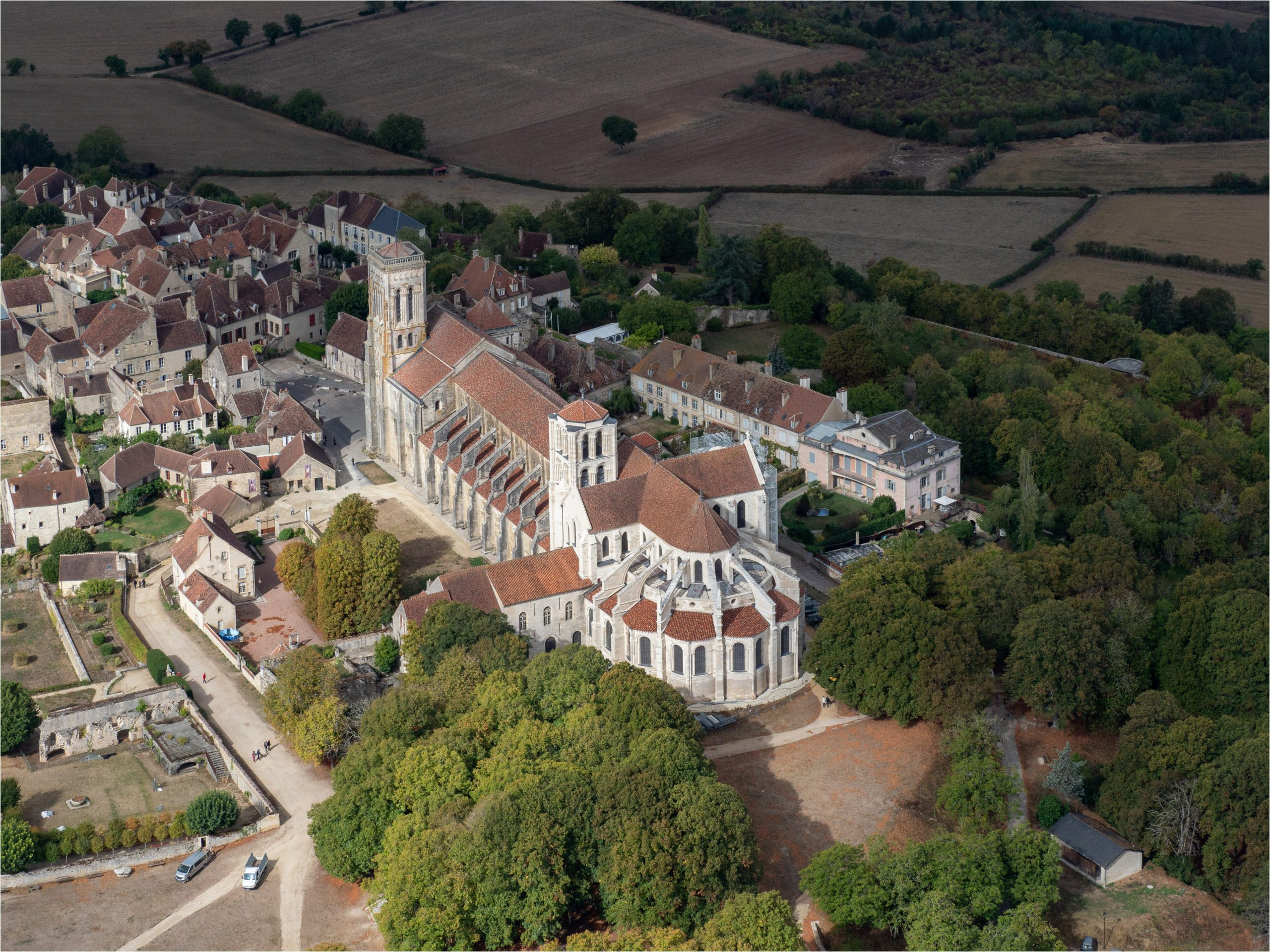 Aerial,View,Of,The,Famous,Basilica,Of,Vézelay,In,The