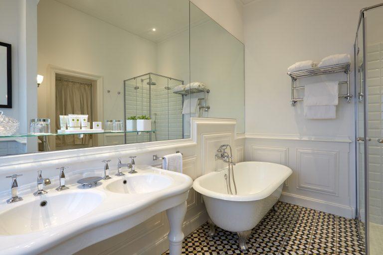 Bathroom - chateau