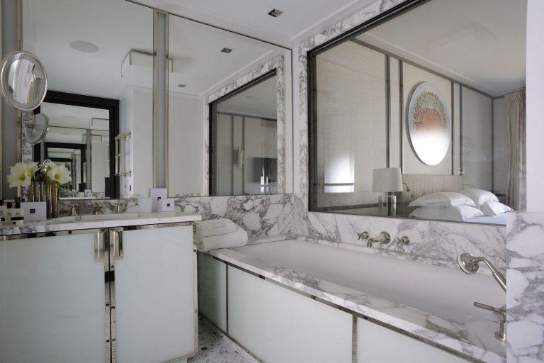 Chambre-salle-de-bain-decoration-jacques-grange-Vi…_Erick_Saillet