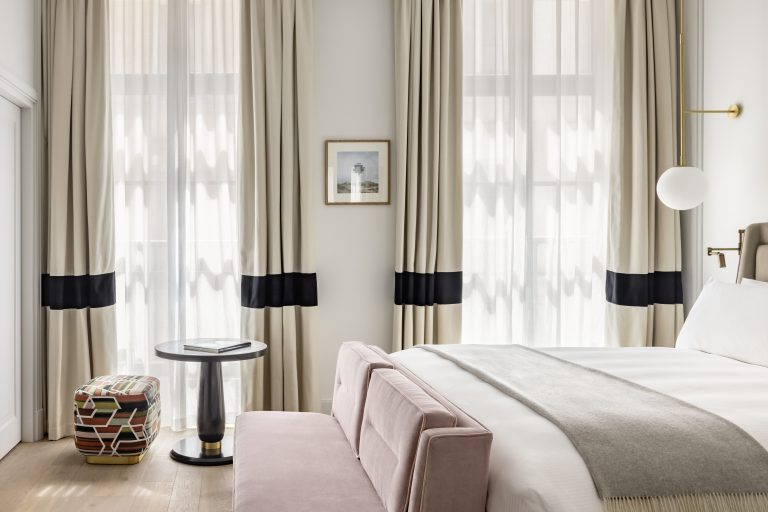 KimptonStHonore_Deluxe_Room_207_bedroom ©Jerome_Galland